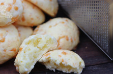 Brazilian-Cheese-Bread-Feature