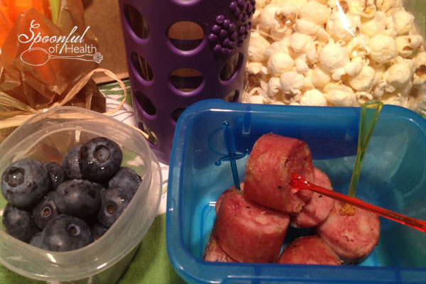 Another easy lunch is breakfast sausages or a nitrate free hotdog cut up. I have put them on skewers with vegetables too. Adriana loves the apple chicken sausages from Wholefoods.